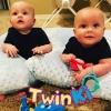 Zwillinge Baby Mädchen